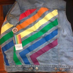 Denim sleeveless jacket